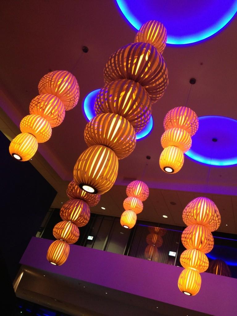 upphängda taklampor hotell design