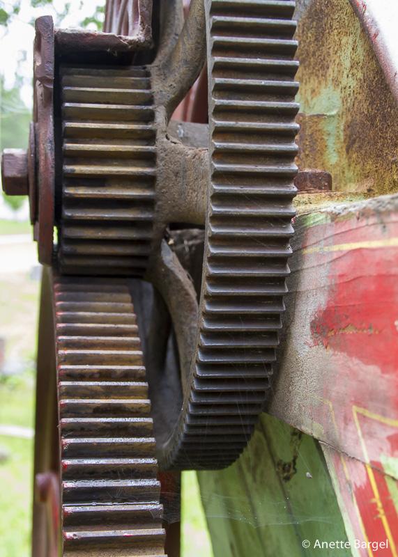 Kuggar i gammal lantbruksmaskin