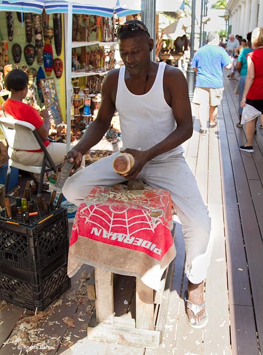 bahamas träkonstnär