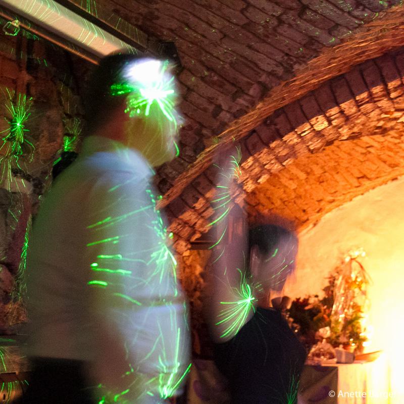 discodans i neonljus