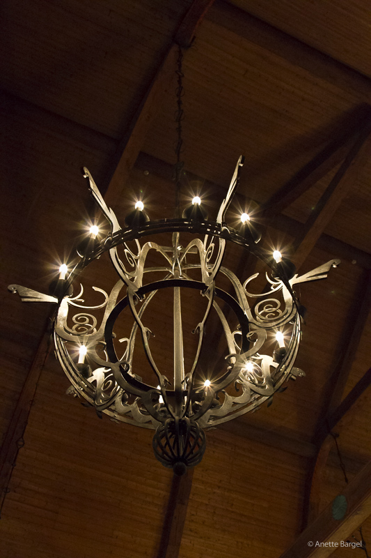 taklampa i kyrka
