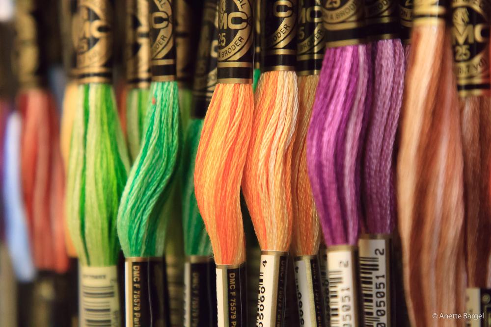 silkesgarn i olika färger